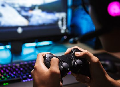 Internet giants eye live gaming experience for boom